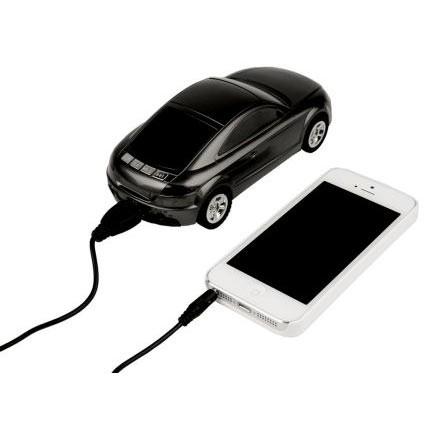 Колонка в виде автомобиля с радио, часами и карт ридером