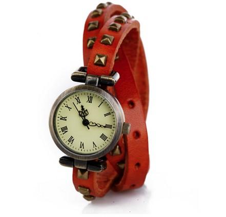Часы на двойном ремешке Ticker