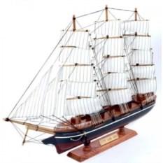 Модель корабля Cutty Sark из дерева (высота 60 см)