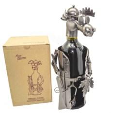 Подставка под бутылку Лось-охотник с листочком