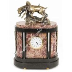 Часы из креноида и бронзы Гончие