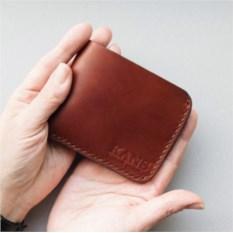 Бумажник коричневого цвета из натуральной кожи