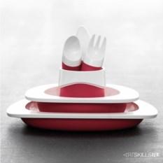 Детский красный столовый набор