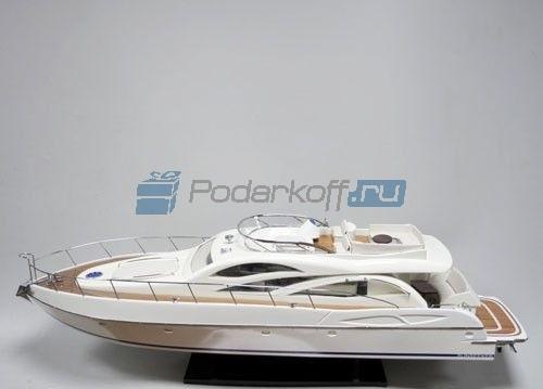 Модель катера Sunseeker