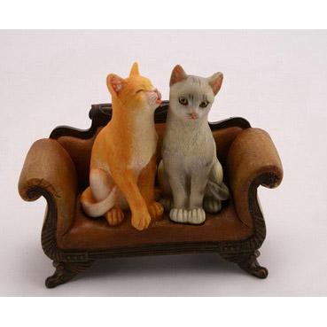 Фигурка «Кошки в кресле»