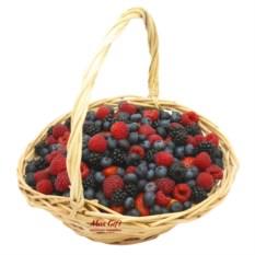 Корзина с фруктами Ягодная поляна