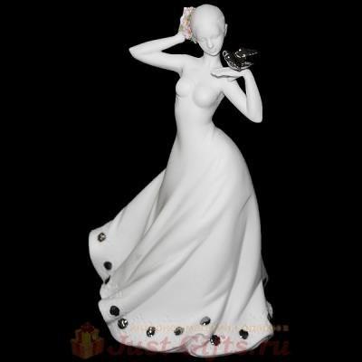 Статуэтка Дама с платиновым голубем на плече