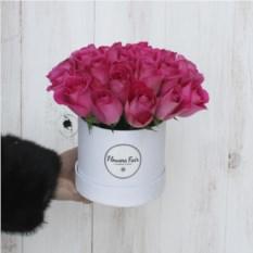Композиция из 25 роз в шляпной коробке