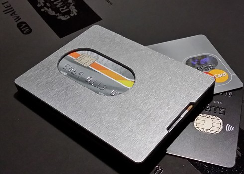 Cупертонкий кардхолдер из алюминия MyWallet