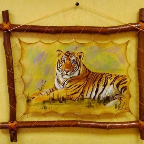 Авторская картина на коже Большой тигр