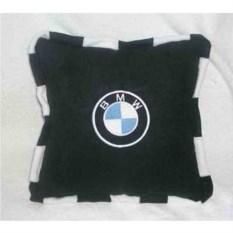 Черная подушка BMW с черно-белым кантом