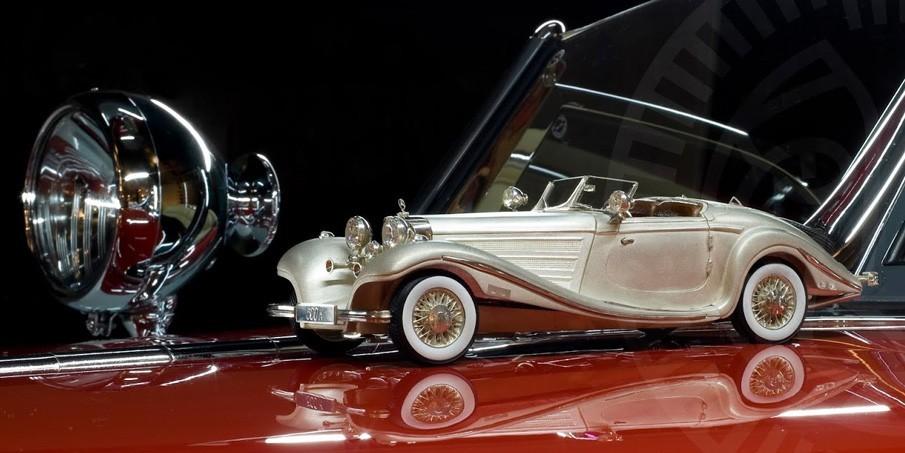 Модель из серебра Mercedes-Benz 500