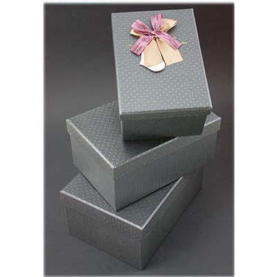 Набор коробок, серых с бантом