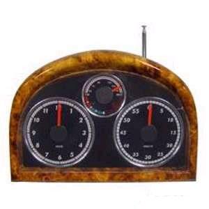 Часы с FM-радио в виде автопанели приборов