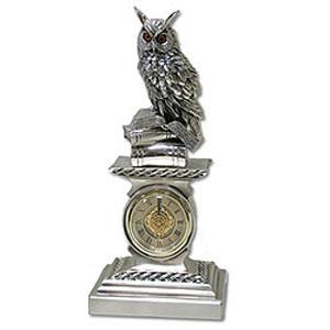 Часы «Филин на книгах»