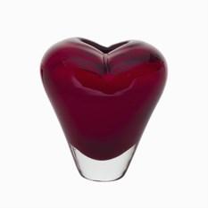Красная стеклянная ваза