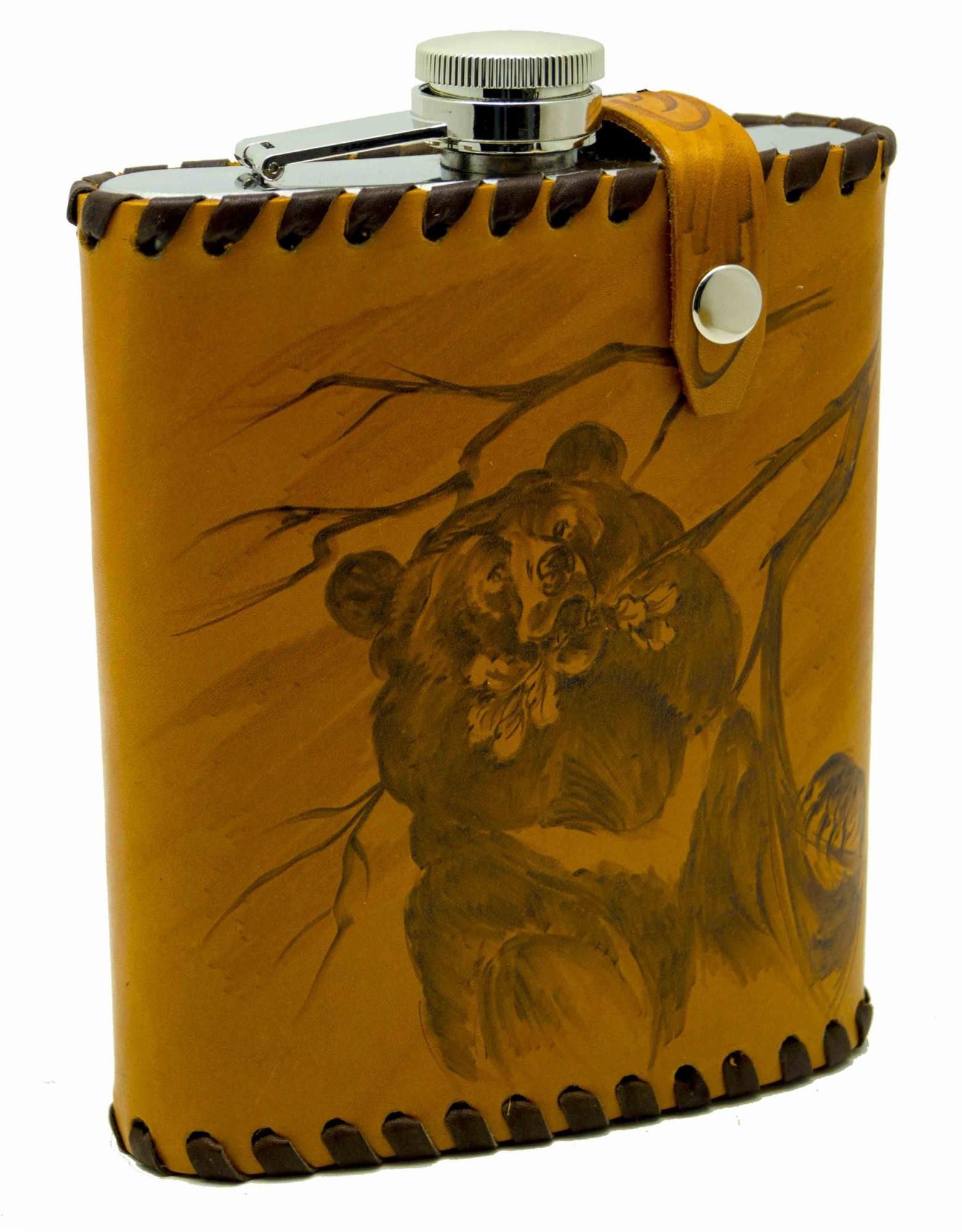 Фляга Медведь в чехле из натуральной кожи, объем 0,6 литра