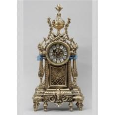 Золотистые часы из бронзы Сантьяго
