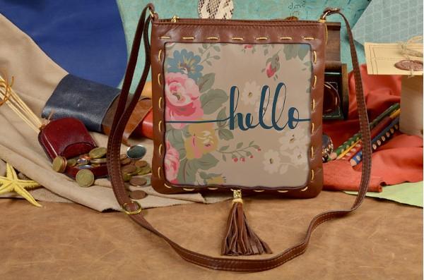 Женская сумка-планшет с принтом Hello