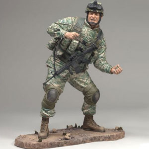 MCFARLANE MILITARY - ARMY INFANTRY GRENADIER 6