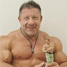 Миниатюрная цветная копия человека размером 32-38 см