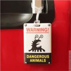 Опознавательная бирка на багаж Dangerous Animals