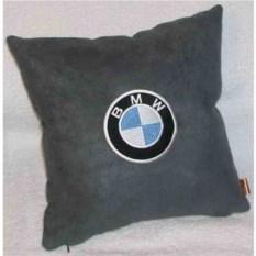 Серая подушка BMW