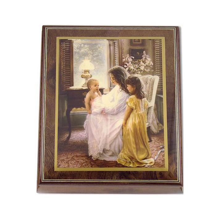 Музыкальная шкатулка «Материнская любовь»