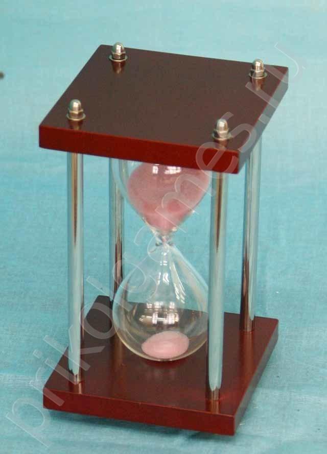 Песочные часы с хромированными стойками на 5 минут