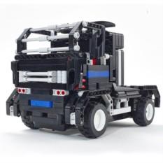 Радиоуправляемый грузовик-конструктор Тягач
