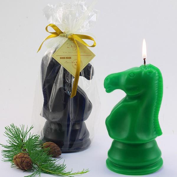 Декоративная свеча Шахматный конь, зеленый