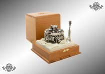 Серебряная солонка Кабаны с ложкой