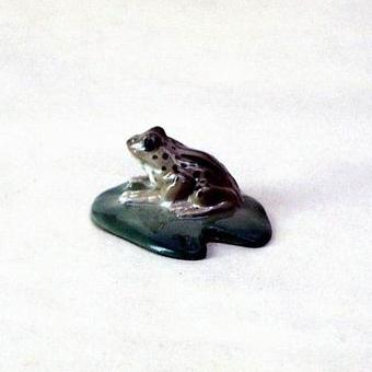 Анималистическая скульптура «Лягушка»