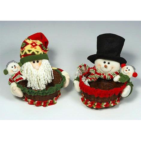 Санта и снеговик с корзиной для подарков