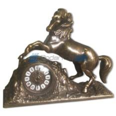 Каминные часы Лошадь