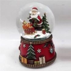 Фигурка в стеклянном шаре с генератором вьюги Новый год