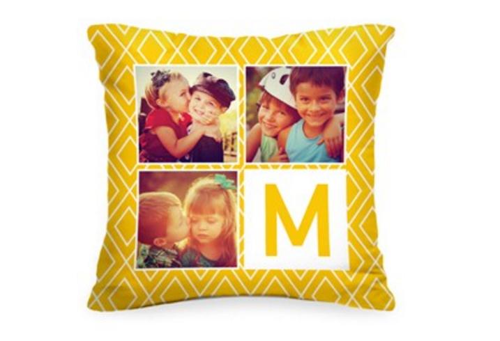 Подушка с Вашим фото и буквой «Smile»