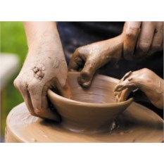 Мастер-класс по лепке из глины для семьи