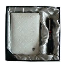 Белый набор из обложки для паспорта и ручки Pierre Cardin