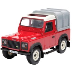Модель автомобиля Tomy Land Rover Defender (масштаб: 1:16)