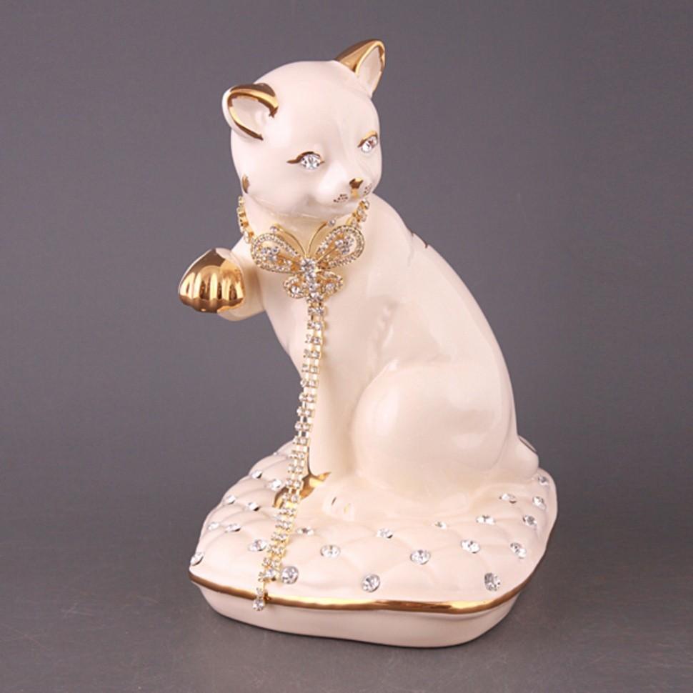 Фигурка Белая кошка с бантом