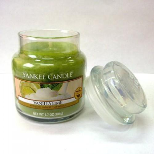 Свеча в стакане с ароматом ванили и лайма