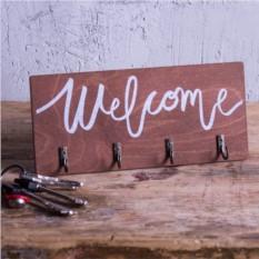 Настенная деревянная ключница Welcome