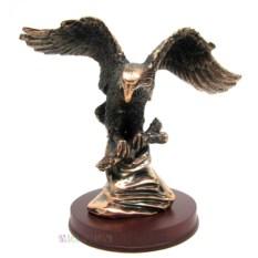 Статуэтка на подставке из дерева Орел (17 см)