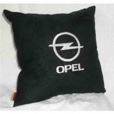 Черная с белой вышивкой подушка Opel