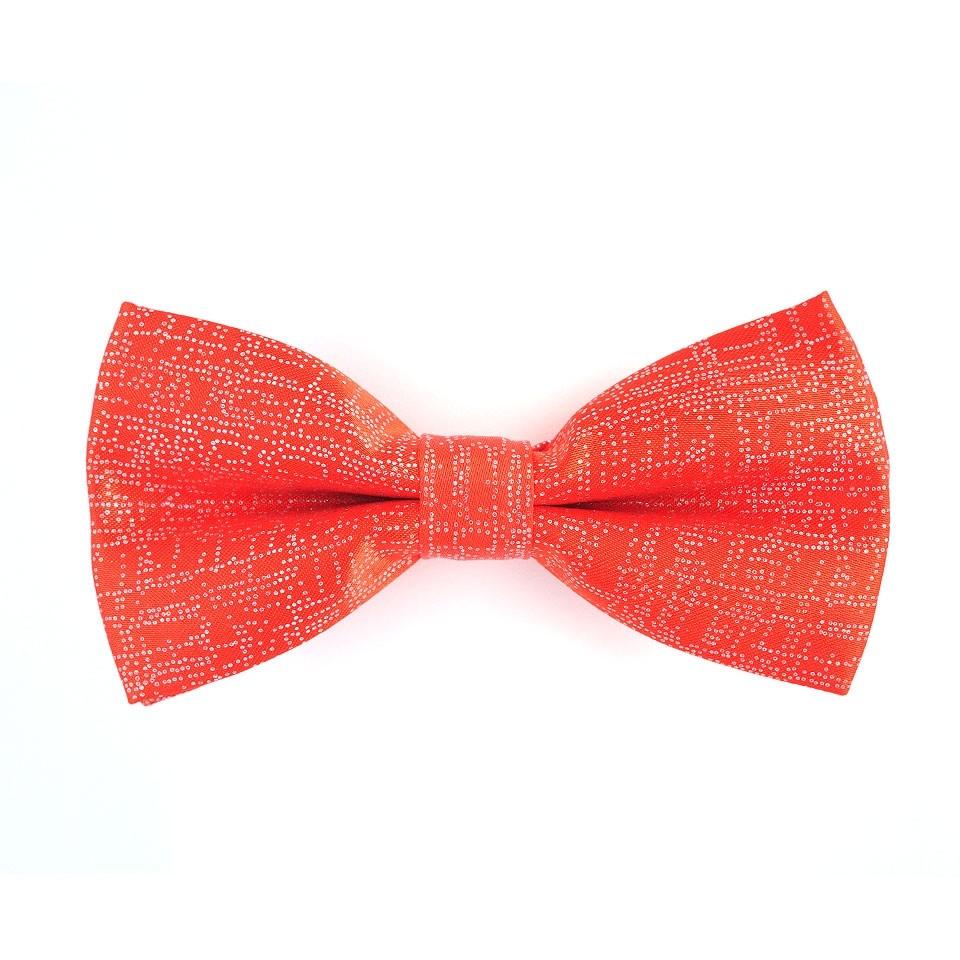 Галстук-бабочка красного цвета