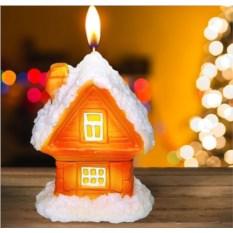 Новогодняя свеча «Сказочный домик»