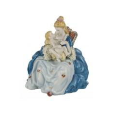 Статуэтка Дама с ребенком
