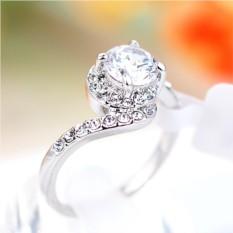 Кольцо с белым цирконием и кристаллами Флирт