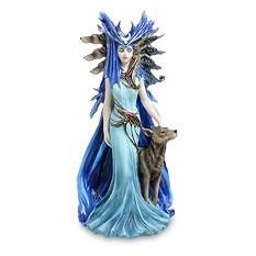 Статуэтка Геката - богиня волшебства и всего таинственного
